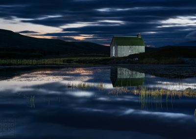 Hut by the loch